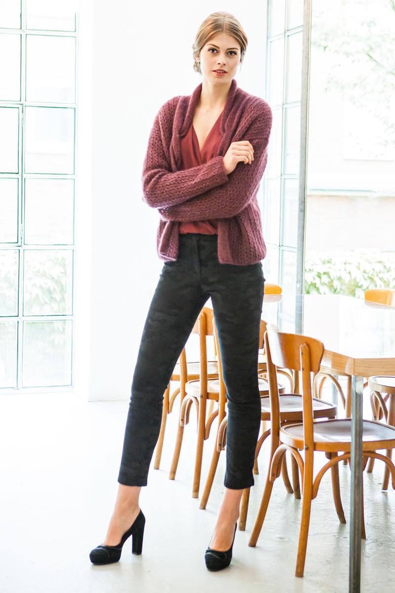 Lana Grossa JACKE IM AJOURMUSTER MIT ZOPF-BLENDE Splendid