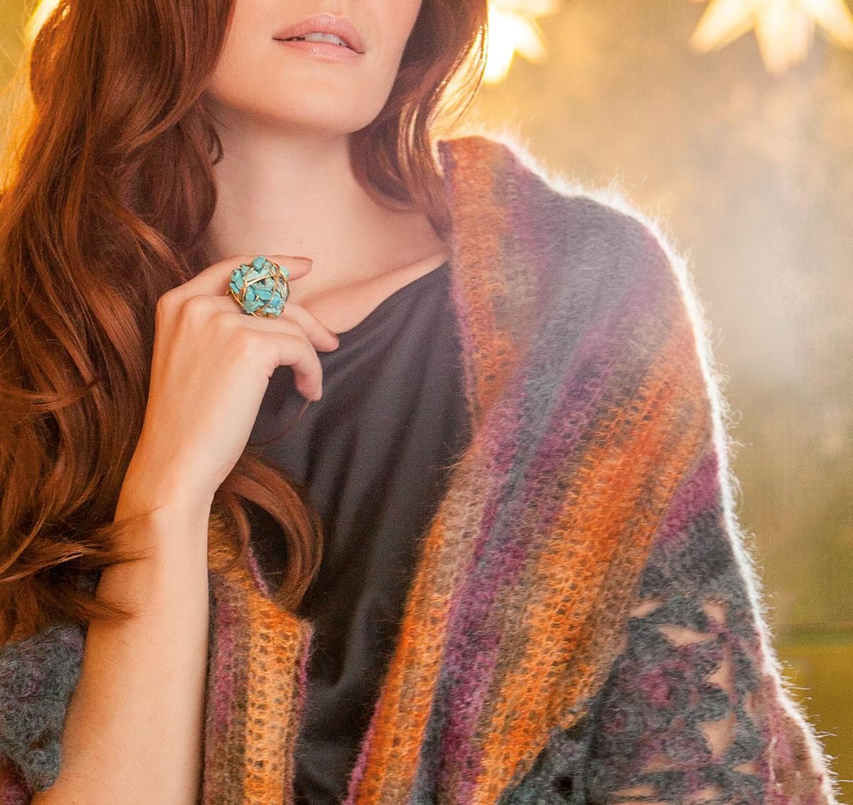 Lana Grossa DREIECKSTUCH MIT BLÜTENMOTIVEN Silkhair print