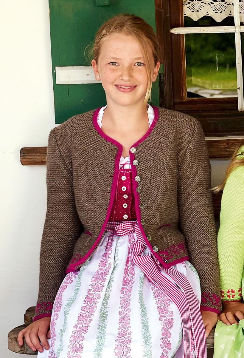 Lana Grossa MÄDCHENJANKER MIT BLUMENBORDÜREN Alpina/Cool Wool Big
